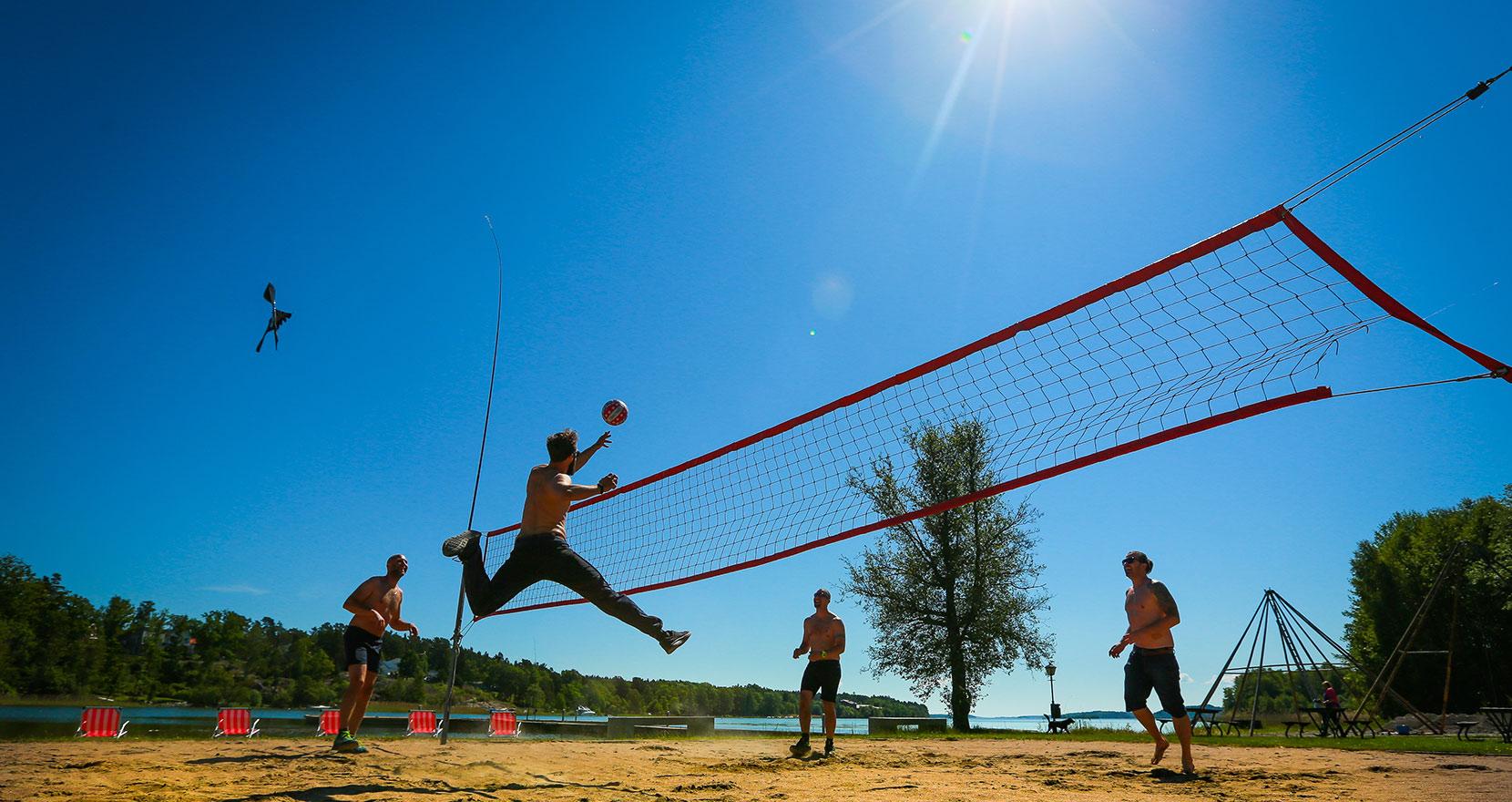 Beach-volley, en av fria konferensaktiviteter på Happy Tammsvik