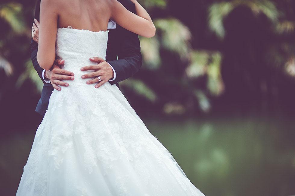 Nygifta på bröllop