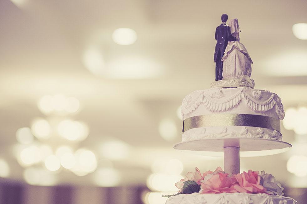 Bröllopstårta i flera våningar