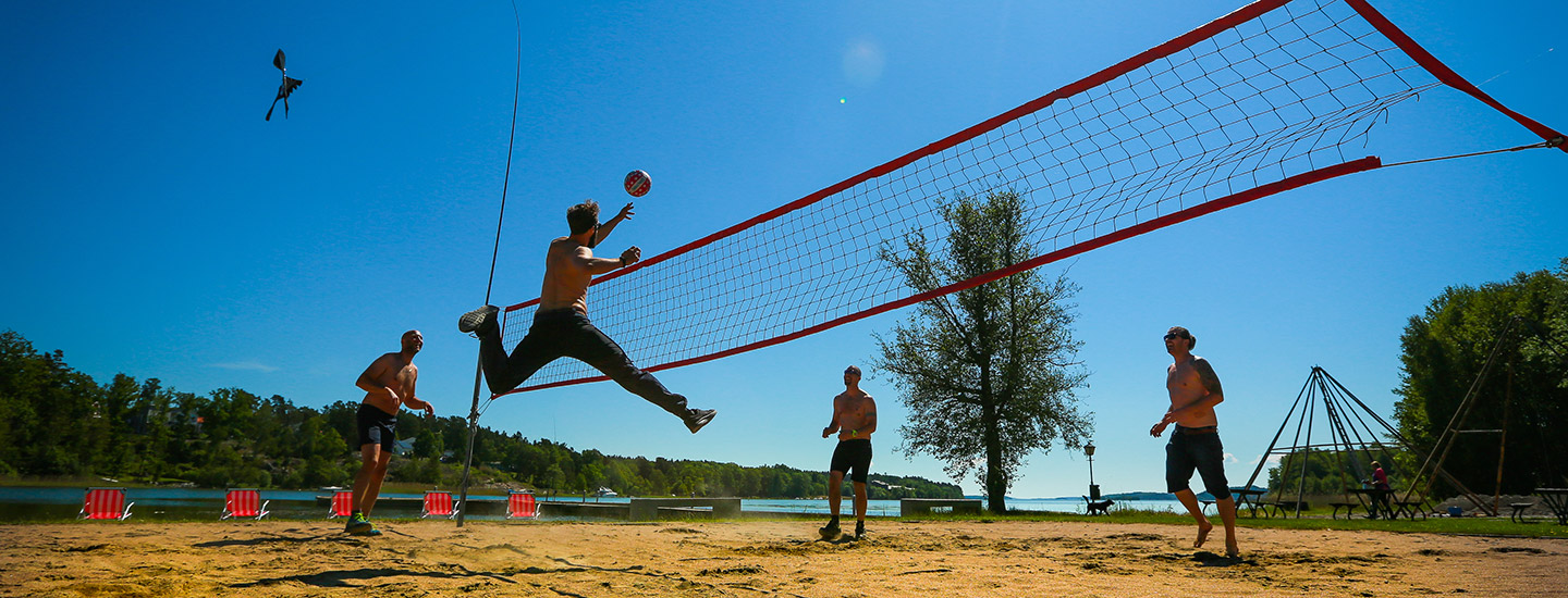 Beachvolley Summerparty vid Mälarens strand på Happy Tammsvik