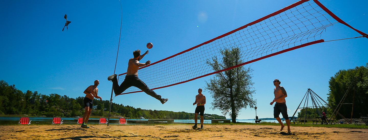 Beach-volley på stranden på Happy Tammsvik
